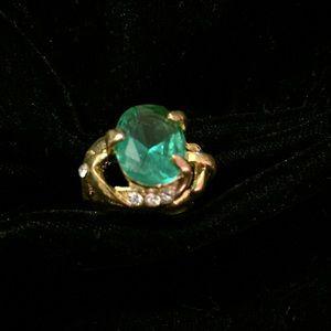 Uniquely Designed Vintage Ring